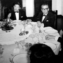 Guillermo Cano en compañía de Carl Chen, Chen Chín Jao, la señora embajadora y Alfonso Castillo López.