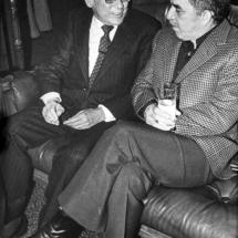 Don Guillermo Cano junto a su gran amigo Gabriel García Márquez.